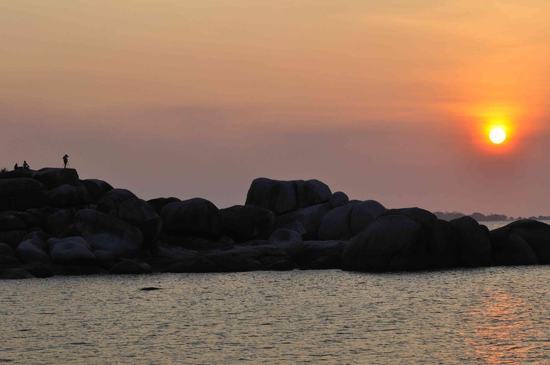 Photographer VS Sunset by gito-kribo