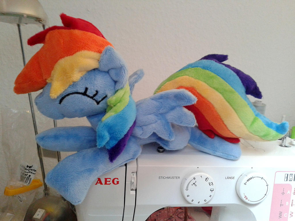 shoulder_dashie_by_dieentexd-d7bp6nq.jpg