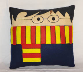 Handmade Harry Potter Gryffindor v1.43 Pillow by RbitencourtUSA