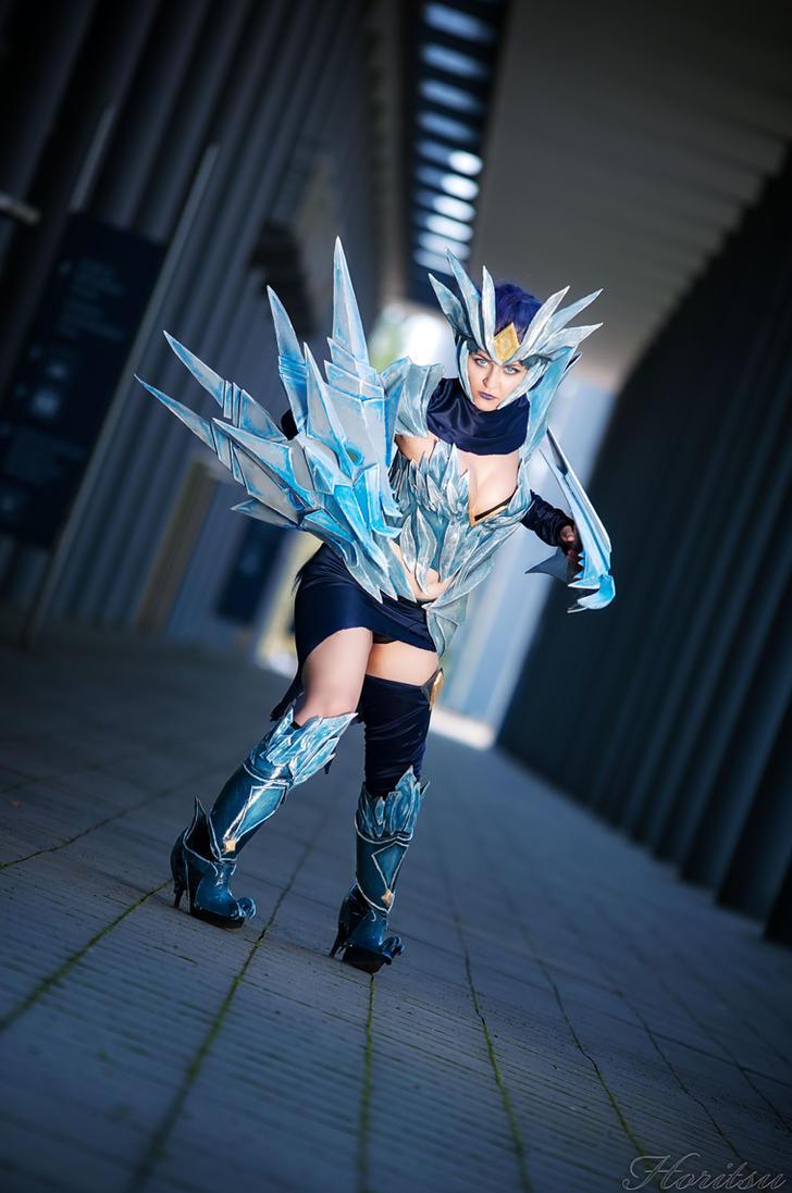 ice drake shyvana cosplay - photo #8