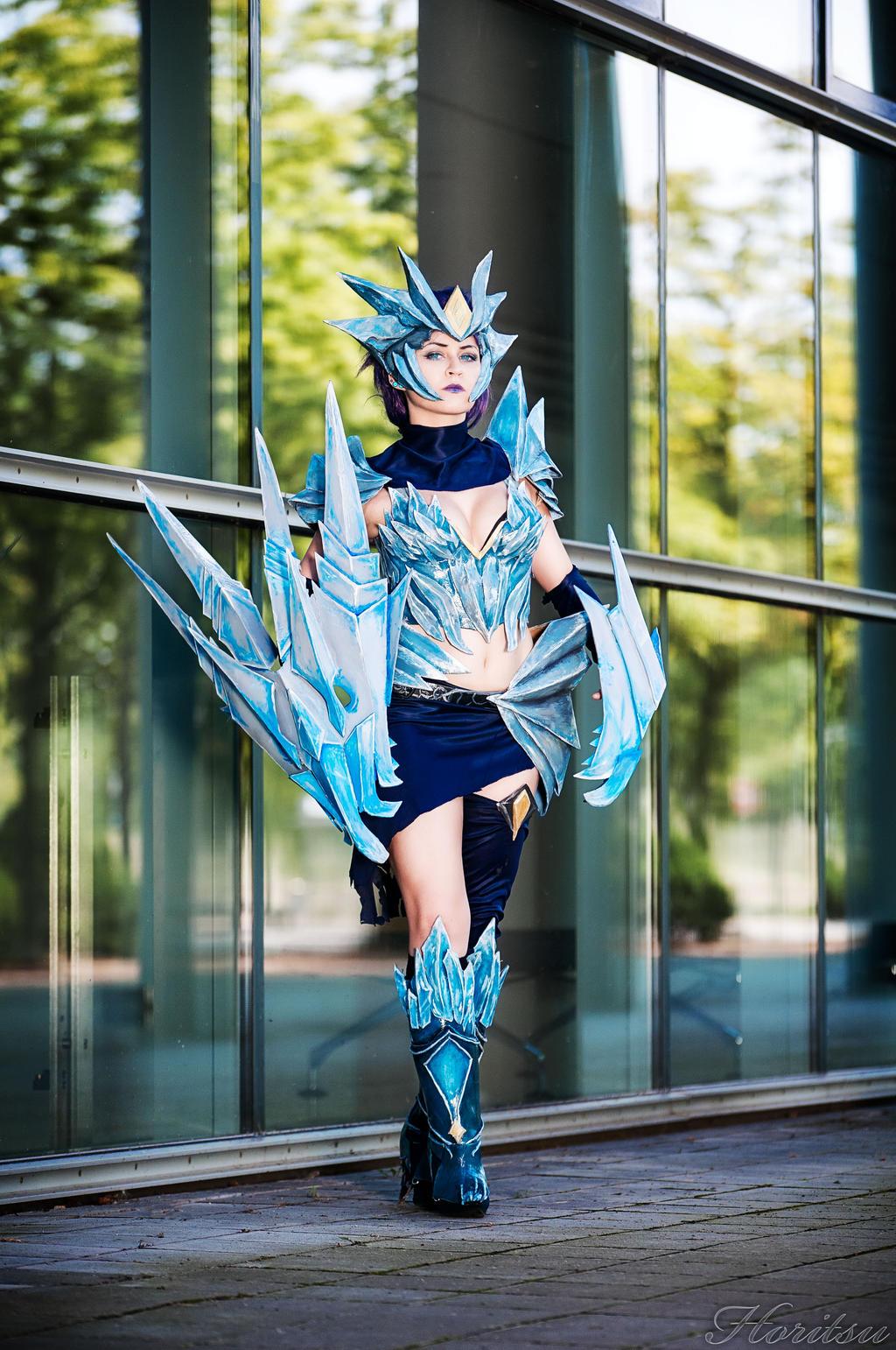 ice drake shyvana cosplay - photo #12