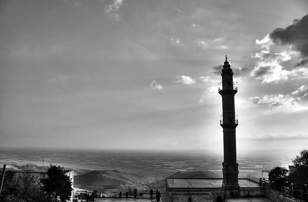 mesopotamia from mardin by tolgagonulluleroglu