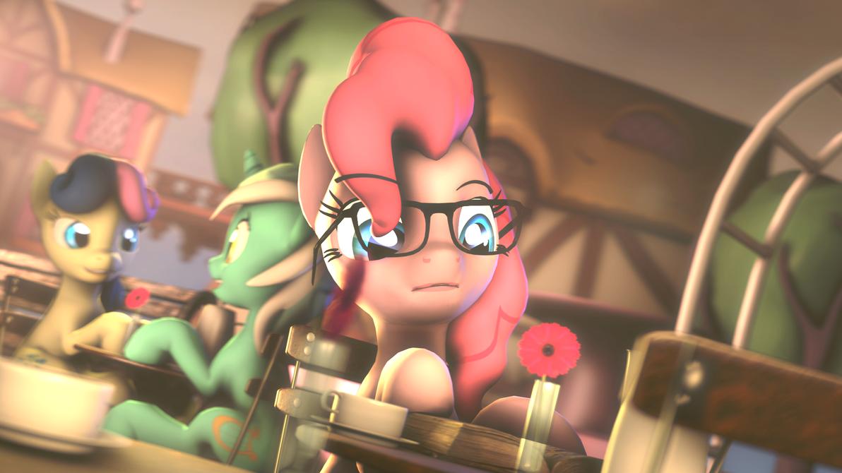Glassespones (Pinkie) by masterderp1