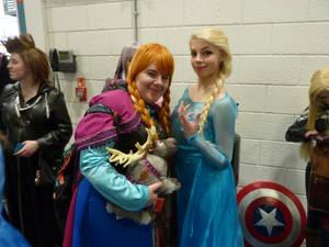 Frozen's Anna and Elsa.