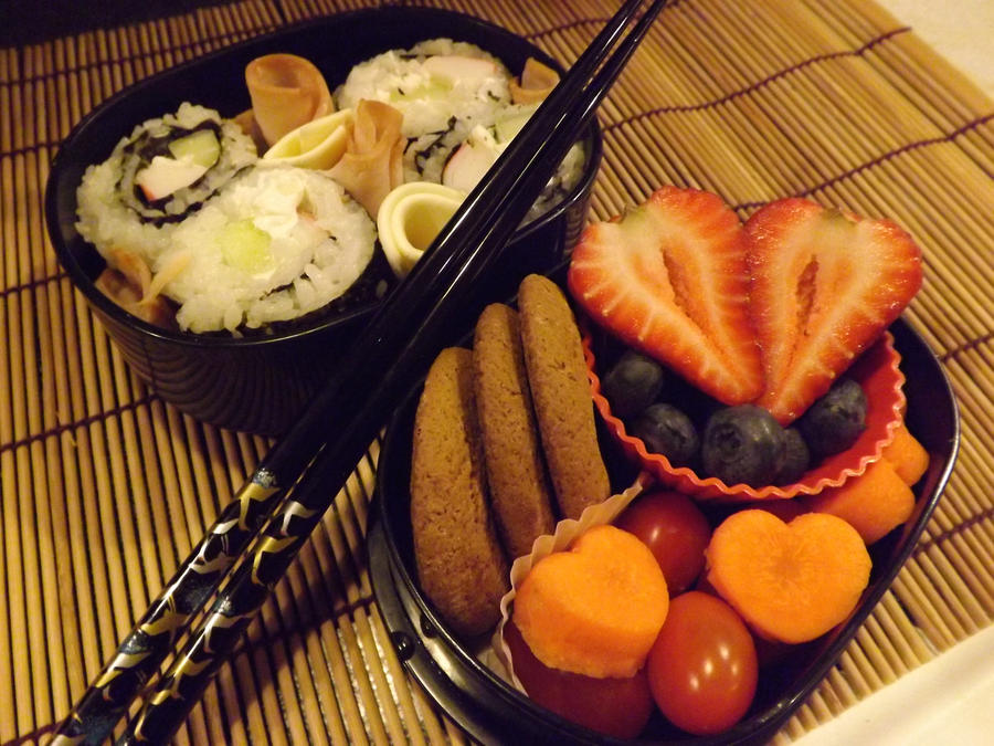 Sushi and Hearts Bento by ScarleyKwinn