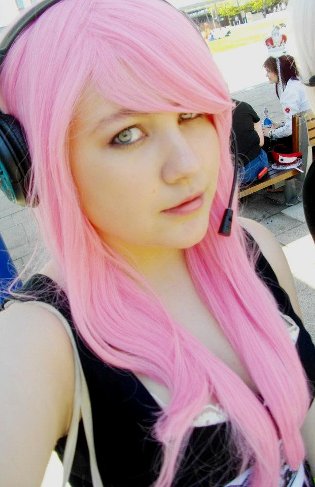 Magnet Luka Megurine Cosplay by tardisfullofponds on ...