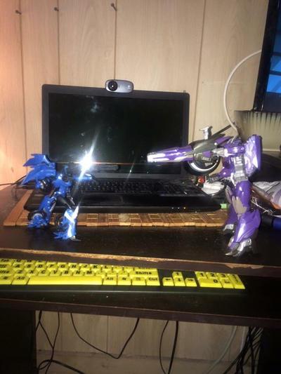 Arcee vs Shockwave  by Transformerbrett97