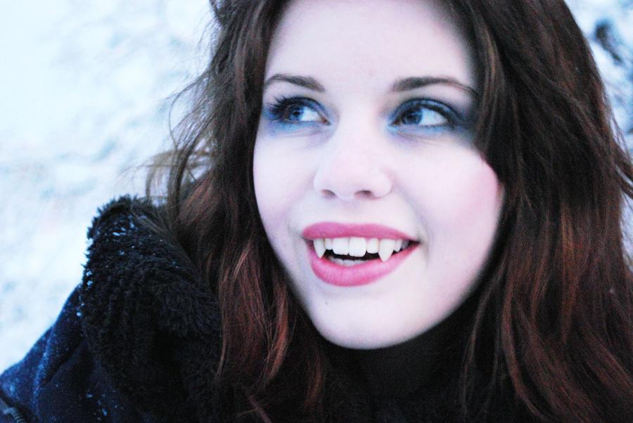 I'm a vampire by Mirish