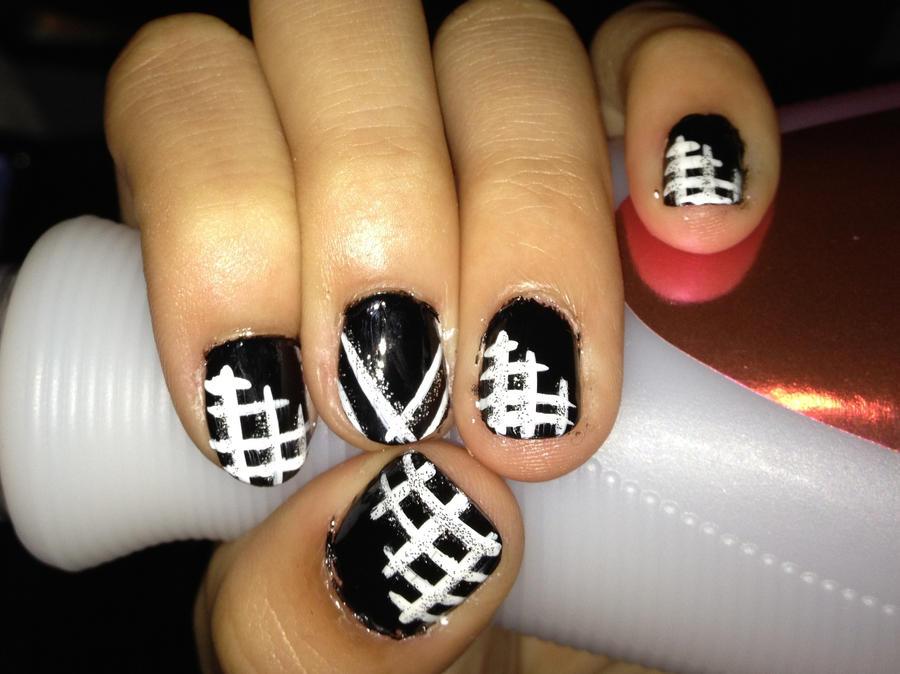 black and white nail art by KeepTheFaithForever on DeviantArt