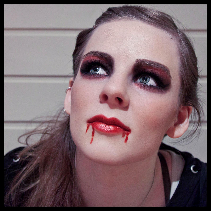 Viewing Gallery For  Vampire Makeup - Vampire Makeup