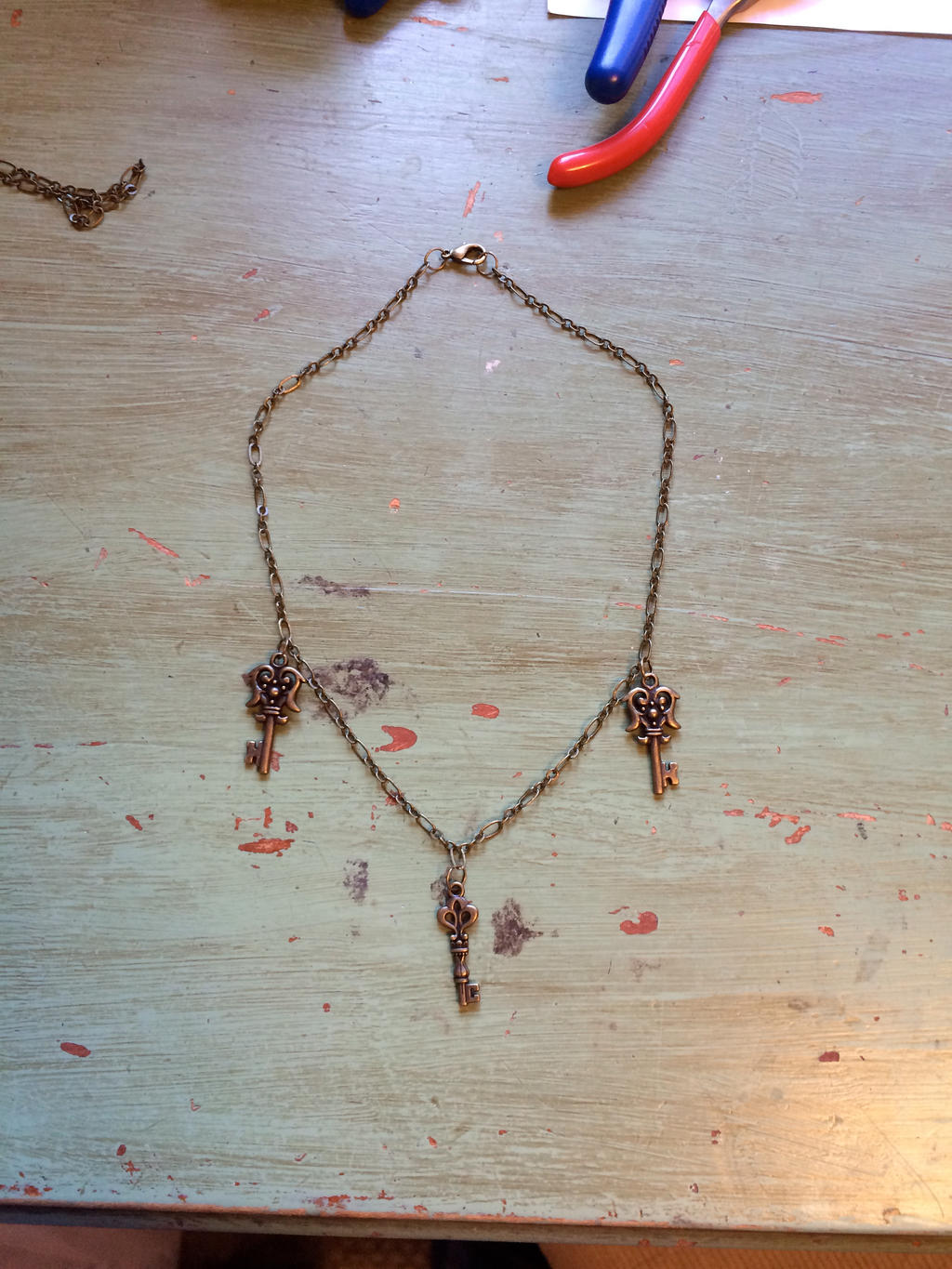 Hand made key necklace by 6seacat9 on deviantart for Art made with keys