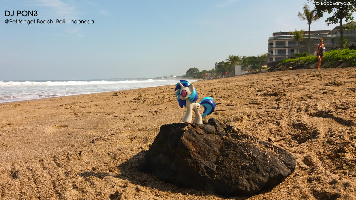 Morning at The Beach by EddoEditya28