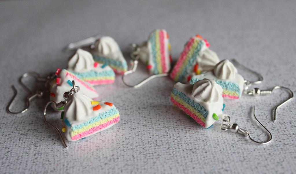 Cake Earrings by rainboww-horror