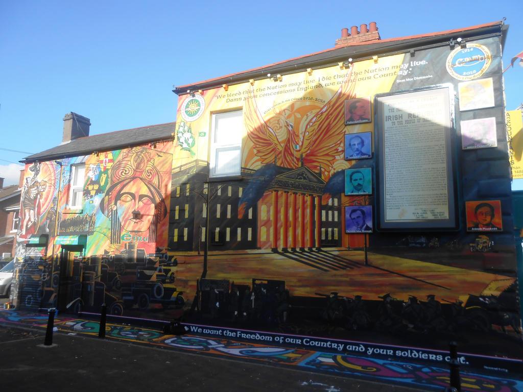 Easter Rising mural by Keresaspa