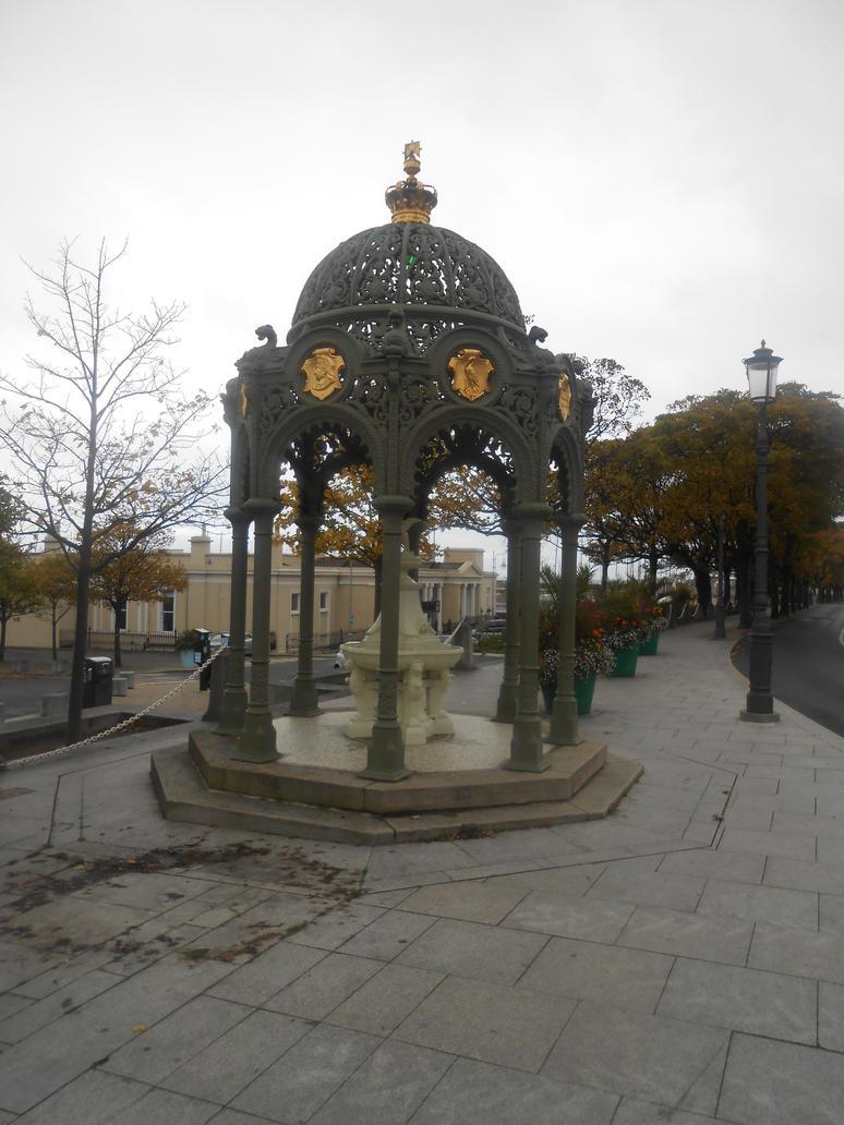 Water fountain by Keresaspa