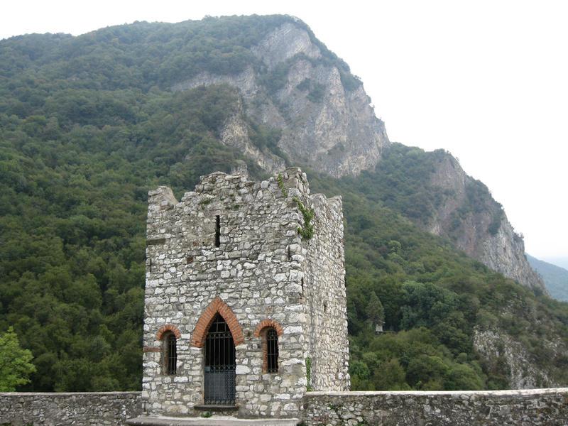 Castle ruin 01 by Olgola