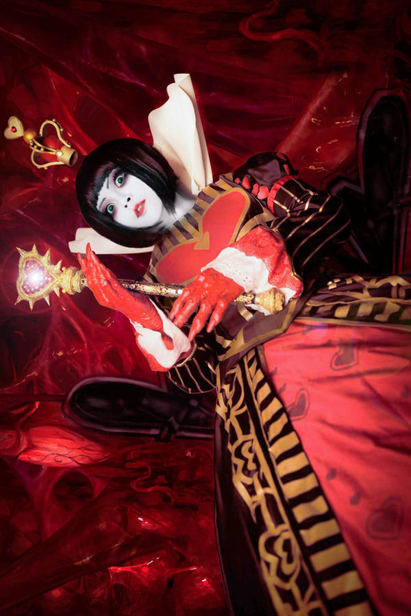 Queen of Hearts by NattoKan
