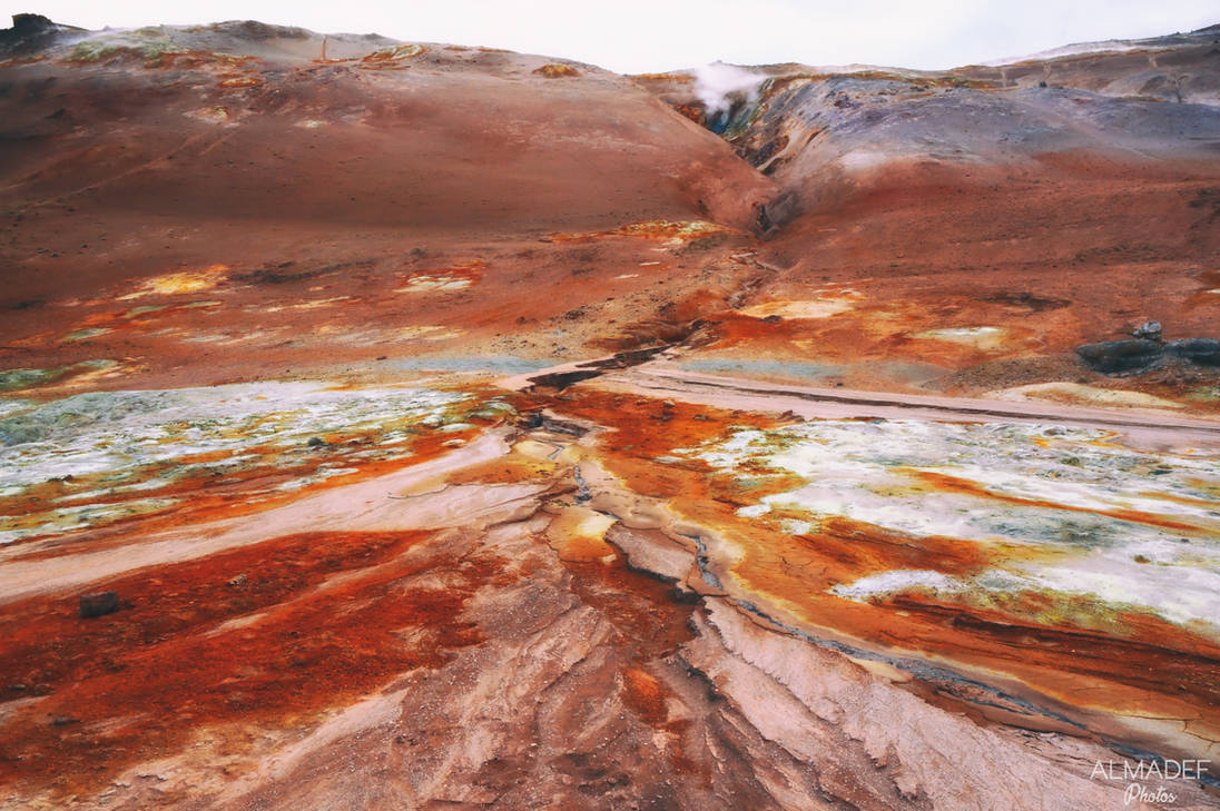 Canyons of Mars (Iceland) by Almadef
