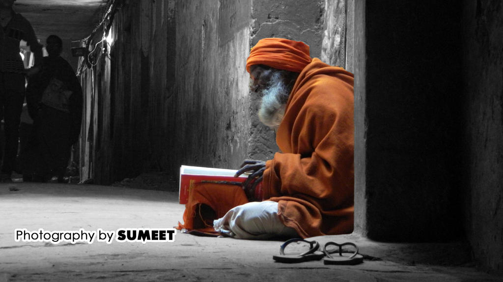 The Sadhu in Alley by gotosumeet