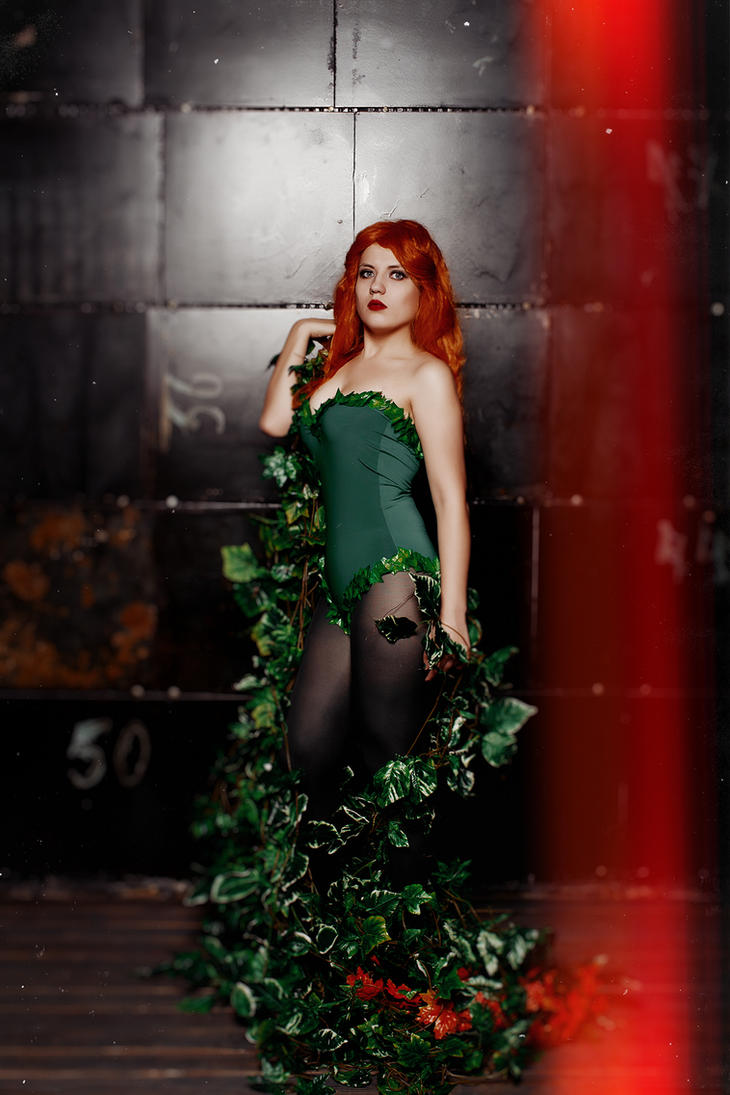 Poison Ivy by Flame-R