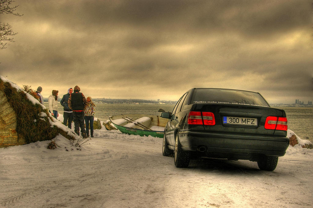 HDR_Volvo_S70R_by_ShadowPhotography.jpg
