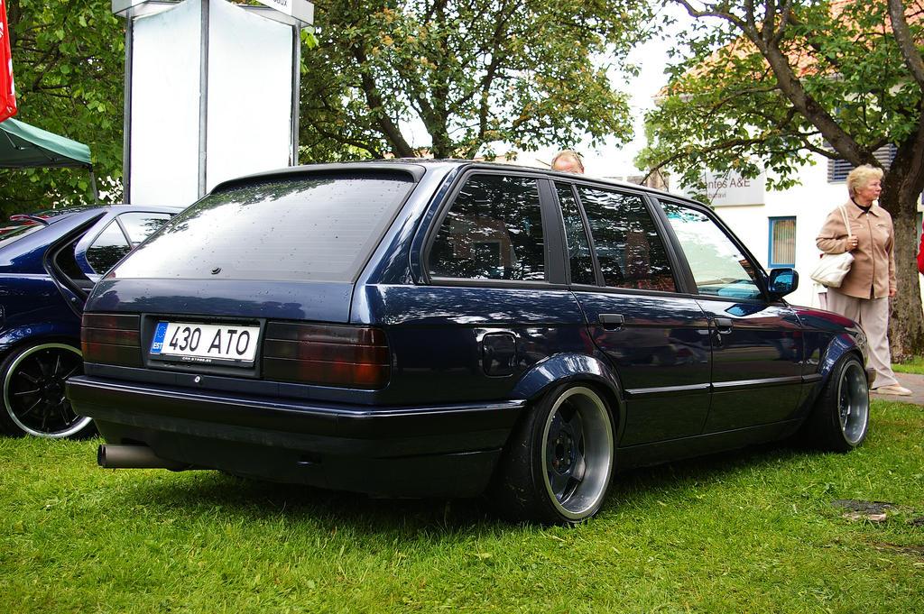 Bmw E30 320i coupe `87 - Black