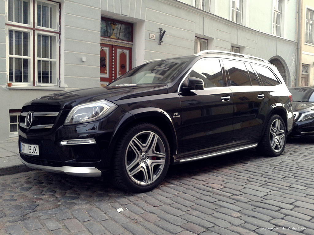 Mercedes benz gl63 amg by shadowphotography on deviantart for Mercedes benz gl63 amg