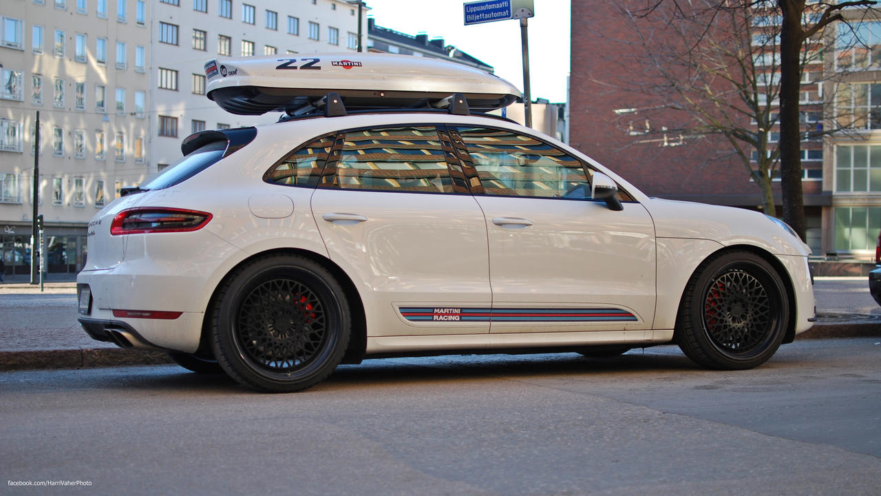lowered macan turbo from finland page 3 porsche macan forum. Black Bedroom Furniture Sets. Home Design Ideas