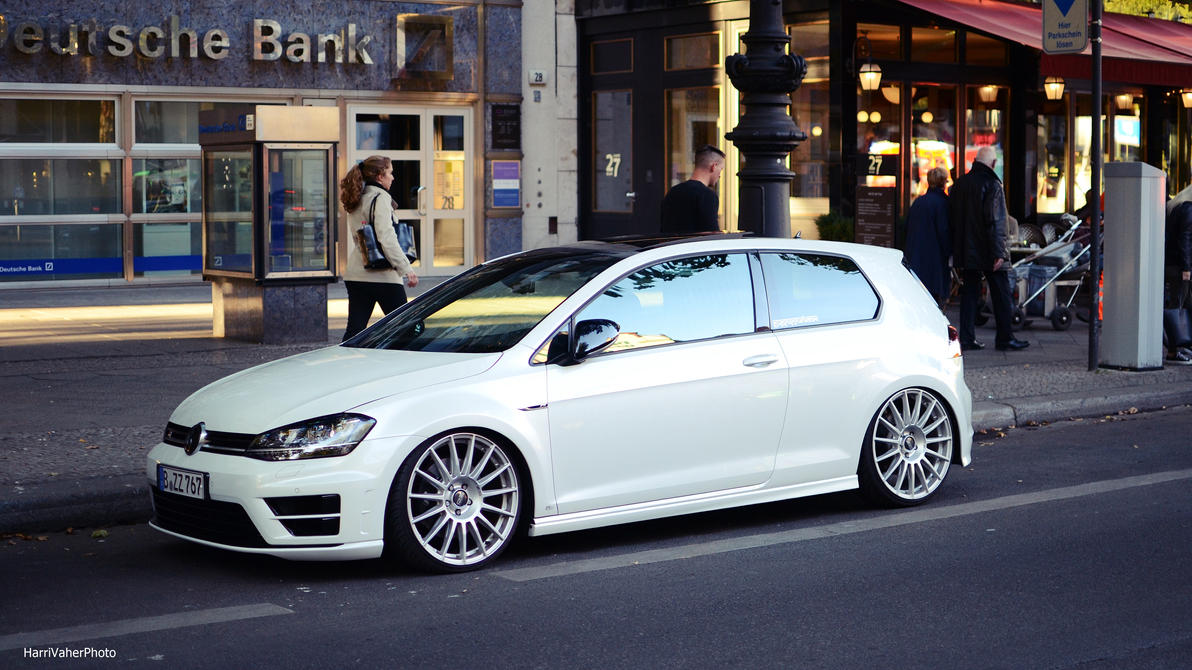 VW Golf R by ShadowPhotography