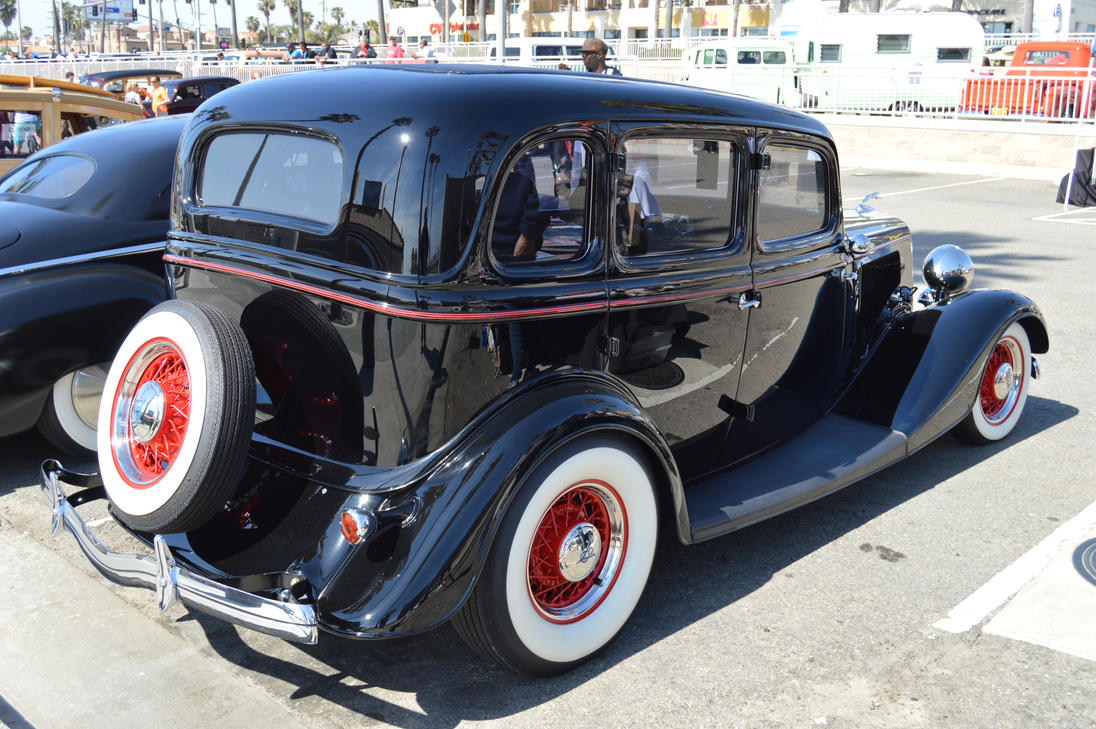 1934 ford four door sedan v by brooklyn47 on deviantart for 1934 ford four door