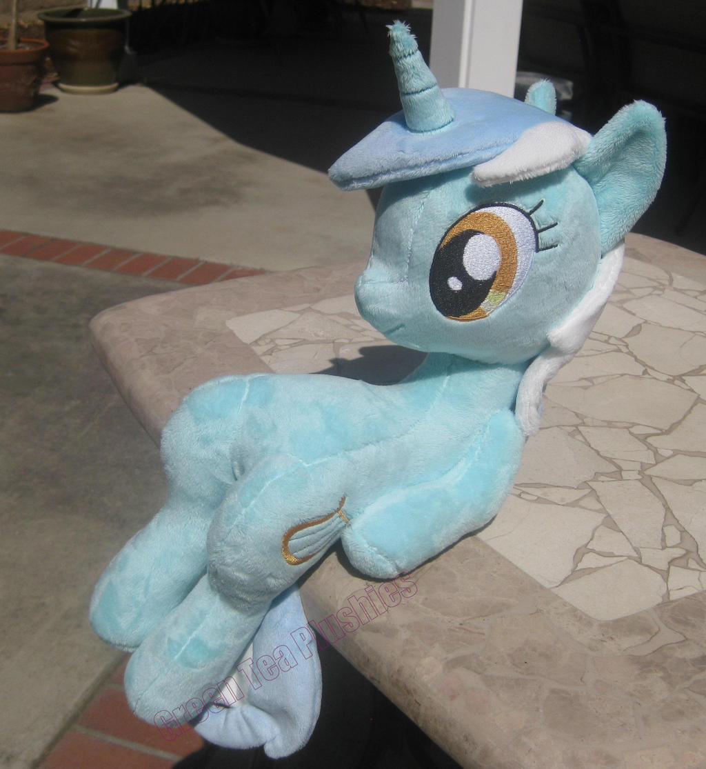 Sitting Lyra Heartstrings Plushie by GreenTeaCreations