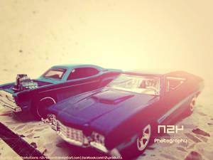 Hot Wheels: Plymouth Duster VS Ford Gran Torino