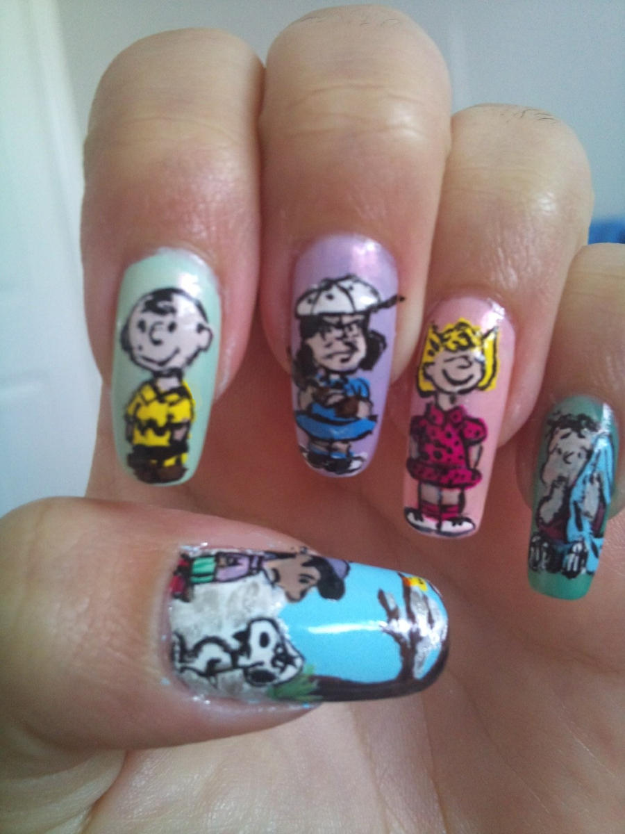 Peanuts nail art by amanda04