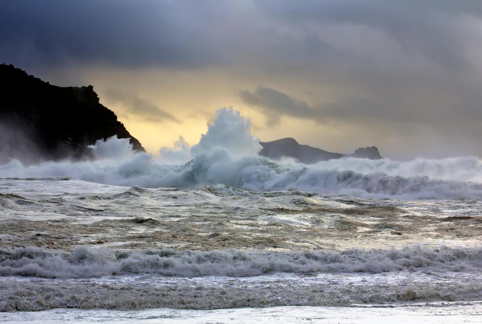 navy rough seas wallpaper - photo #45
