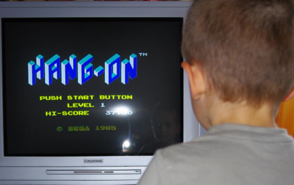 Vos enfants et le jeu vidéo 22_years_between_them_by_sylesis-d3itgxv