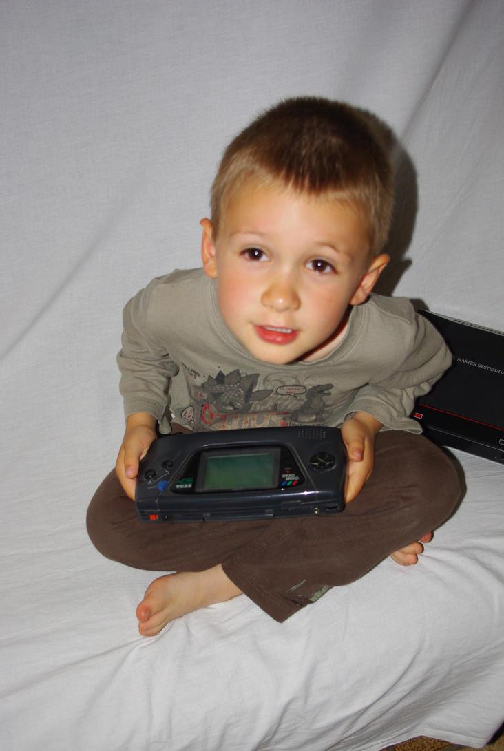 Vos enfants et le jeu vidéo Little_player_by_sylesis-d3itr1l