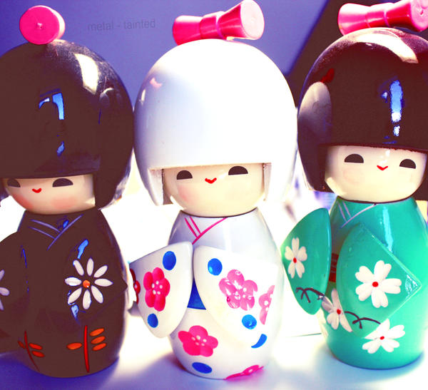 japanese dolls II by Metal-Tainted