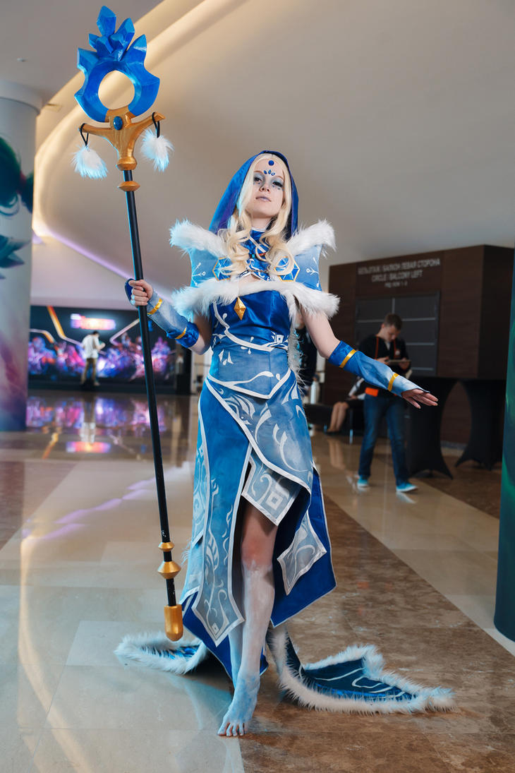 Dota 2 Crystal Maiden Cosplay Wallpaper Dota 2 Crystal Maiden By