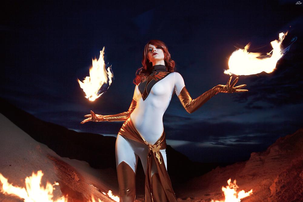 Fire Queen by AkinaGasai