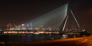 Erasmusbridge at night by mhubregtse