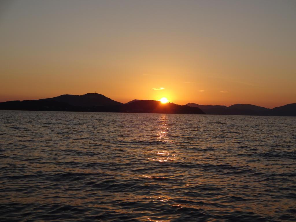 Sunset by kusoka