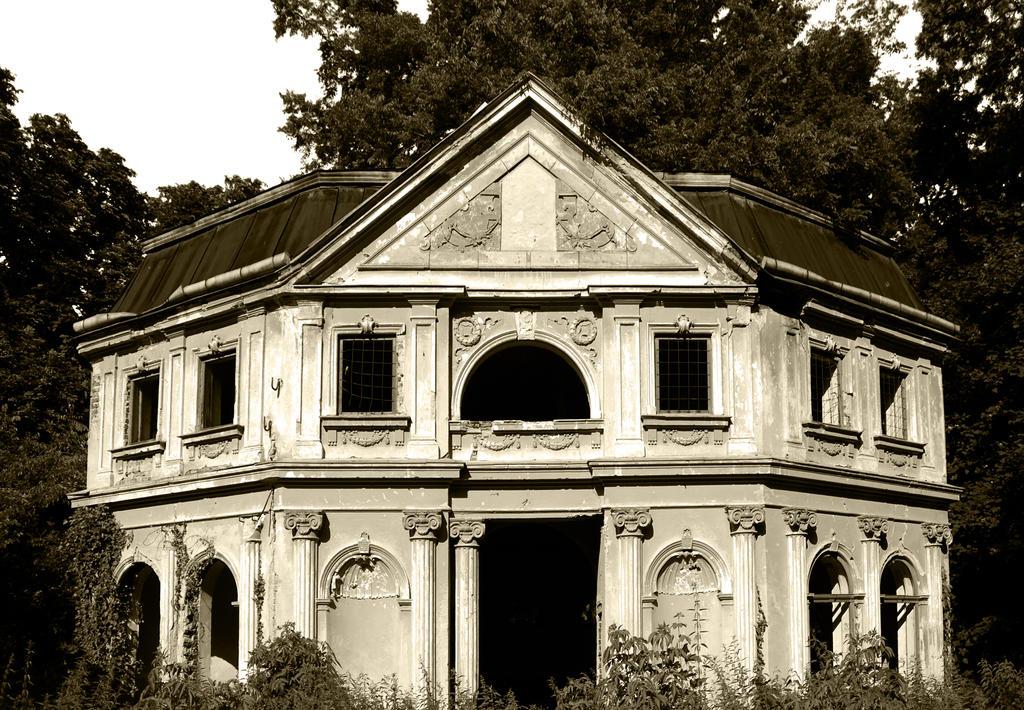 Forgotten castles by bobby-rex