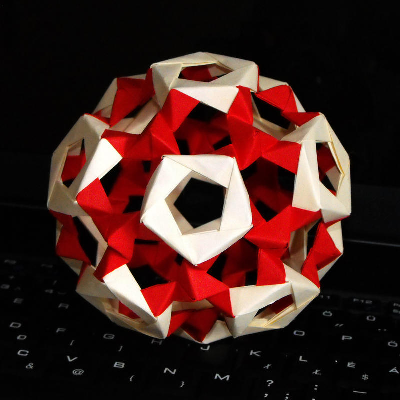 Modified Buckyball - Red by Morzsi