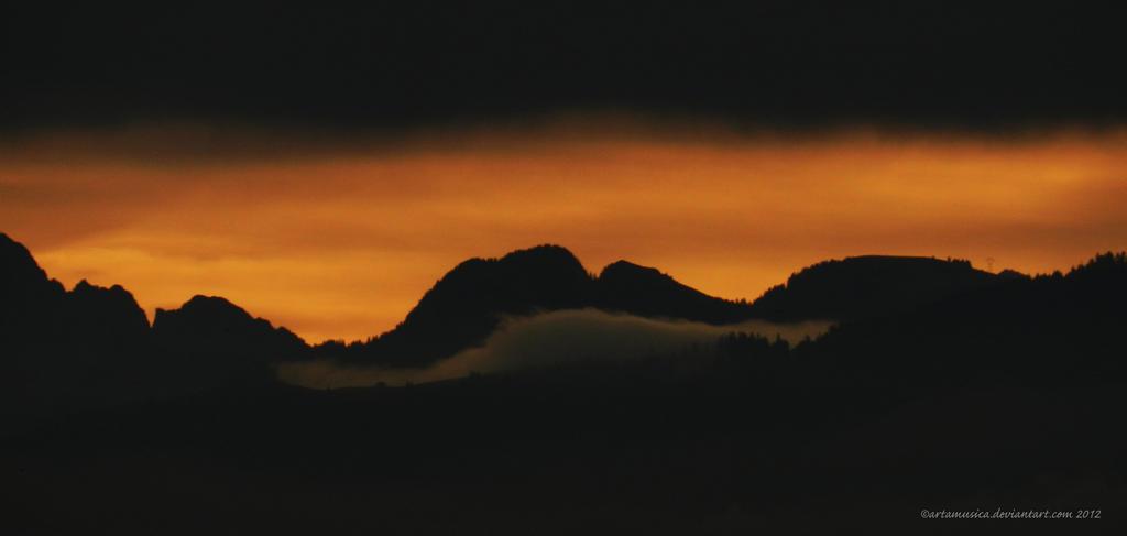 Autumn Sunrise by artamusica