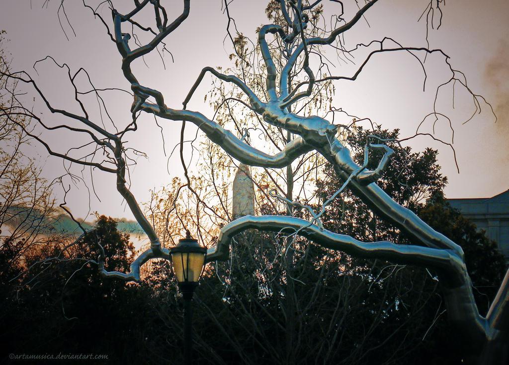 Spooky Metal Tree by artamusica