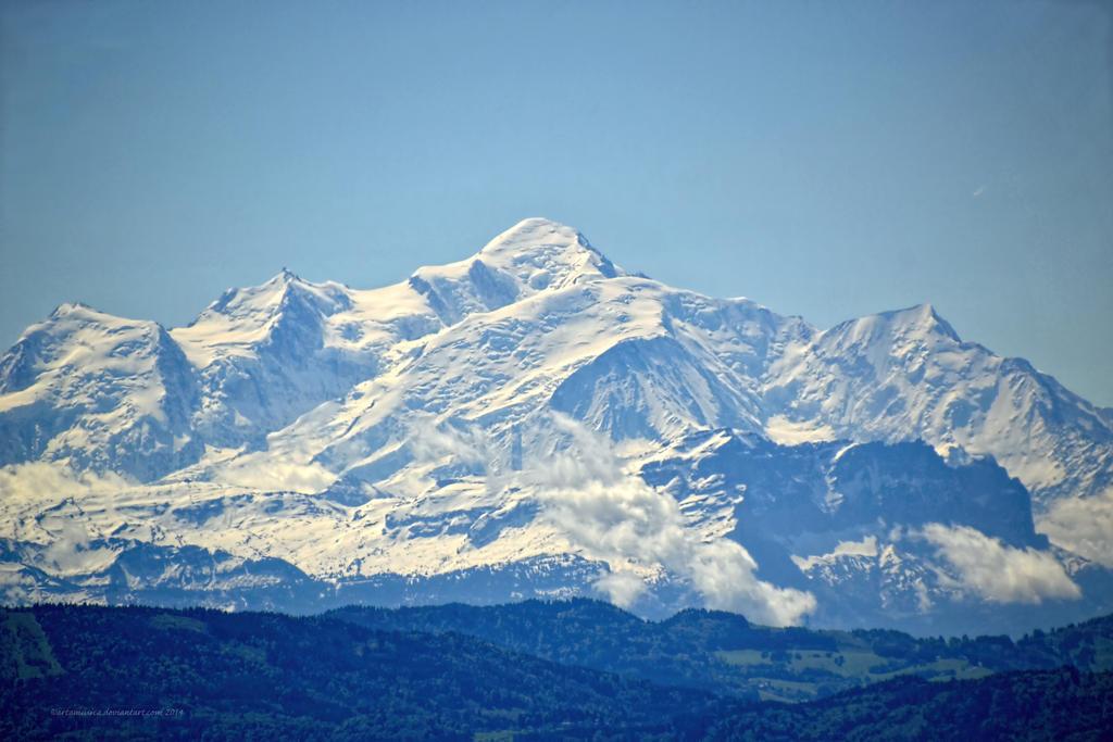 Magnificent Mont Blanc by artamusica
