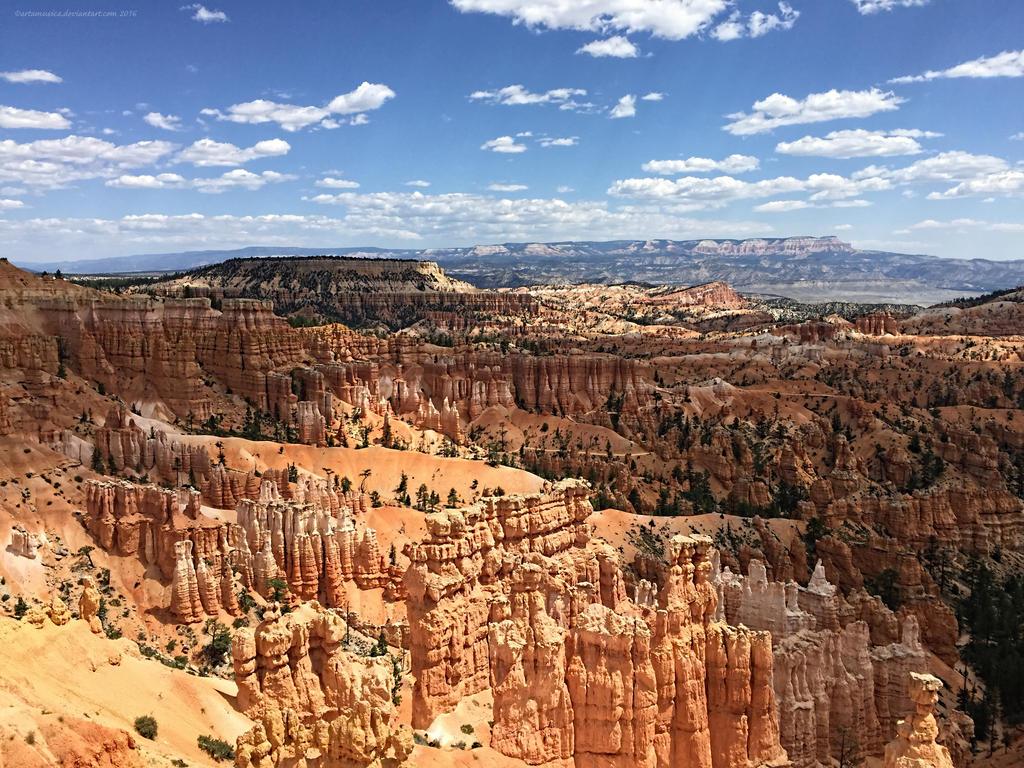 Bryce Canyon First Glimpse by artamusica