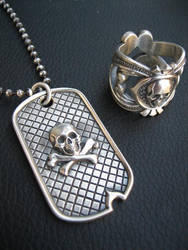 Deadmans ring and dog tag