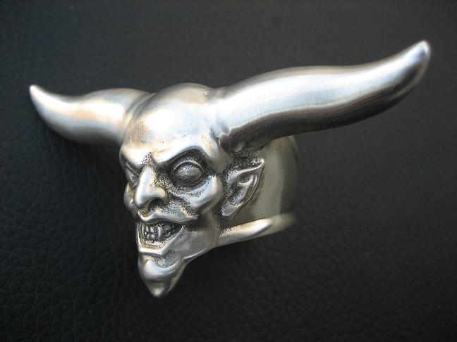 'devils knuckleduster'  ring by flintlockprivateer