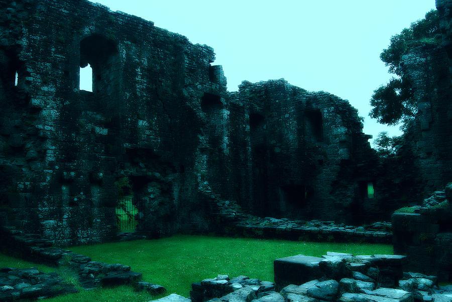 Old Castle by manilu